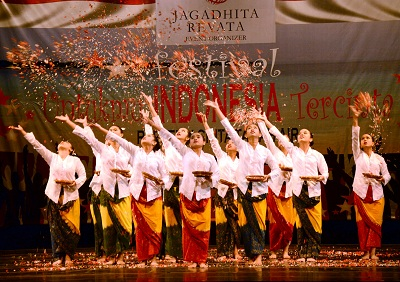 Best Overall dari Puella Angela Choir