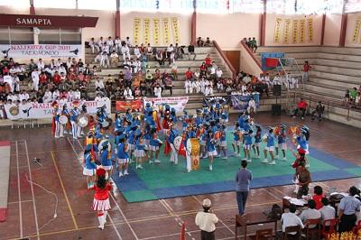 Unjuk kebolehan Drum band SMP Tarakanita Magelang
