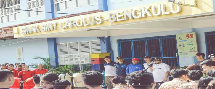 Walikota Bengkulu Helmi Hasan di Teras SMA Sint Carolus