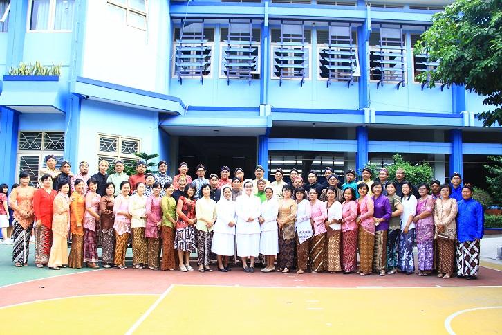 Guru dan Karyawan SMA Stella Duce 1 Yogyakarta