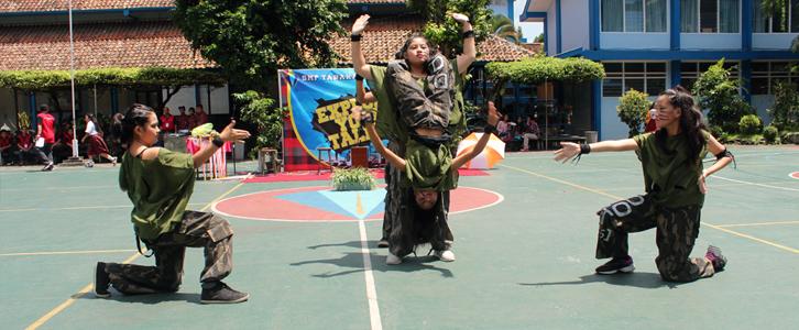 DANCE SMP TARAKANITA