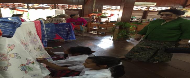 Peringatan Hari Batik Nasional KB - TK - SD Tarakanita 2