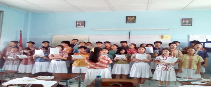 Latihan Paduan Suara SMP Tarakanita 2