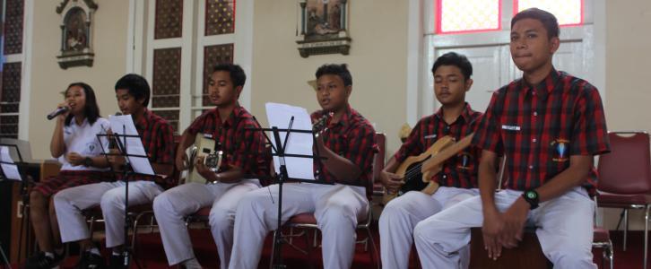 Sarasehan Paskah 2015 bersama Bapa Uskup Mgr. Pujasumarta