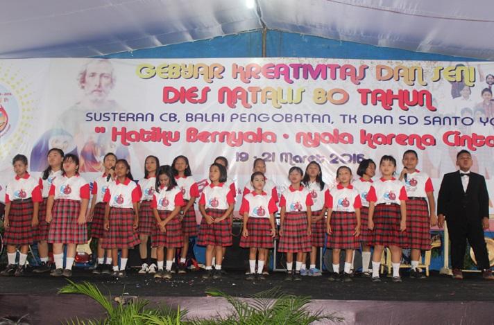 Paduan Suara dari Ekstrakurikuler Vocal Group