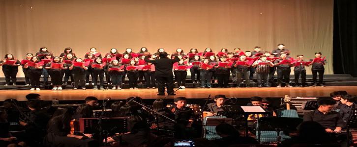 Kolaborasi Orkestra dan Paduan Suara  Dalam Acara Doa Anak Negeri